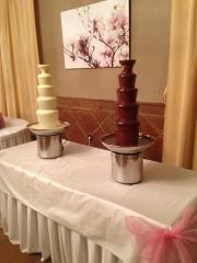 Chocolate blanco y la otra chocolate con leche, cual gusta más??