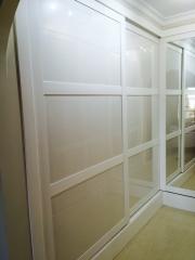 Frontal de puertas correderas lacado blanco y cristal