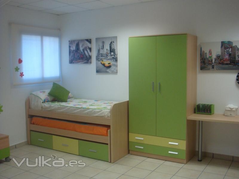 Foto dormitorio juvenil compuesto por cama nido con for Cama nido con cajones y escritorio