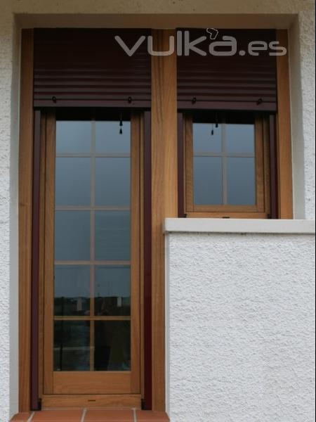 Foto ventanas europeas oscilobatientes persiana y for Puertas oscilobatientes