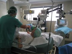 Preparando operación de cataratas