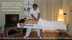 Servicio de masaje a domicilio. camilla plegable.