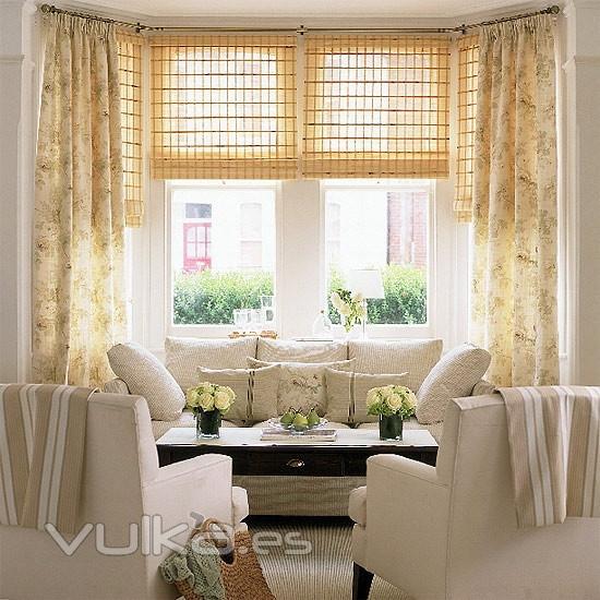 Foto: Estor de varillas y cortinas a medida y a juego con cortinas