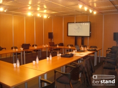 Espacios modulares, decoraci�n, iluminaci�n y audiovisuales para congresos, juntas, actos de presentaci�n y ...