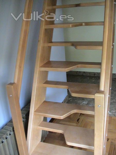 escalera de madera de pisa obligada pato o japonesa