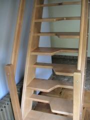 Escalera de madera de pisa obligada, pato o japonesa
