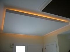 Detalle techo con luz integrada