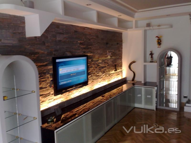 Foto mueble pladur combinado con encimera cristal y puertas correderas - Muebles de pladur para salon ...