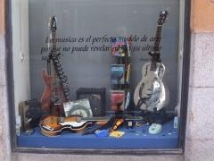 Guitarras electricas, bajos, acusticas.....