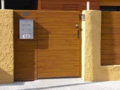 Puerta modelo lineal 130  de pvc foliado madera
