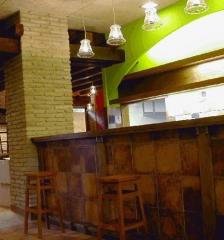 Instalaci�n integral del bar akelamendi. zona de barra