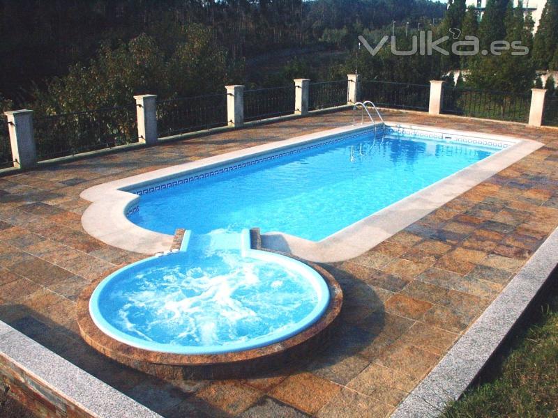 Foto piscival construcci n de conjunto piscina y spa for Piscinas publicas valencia