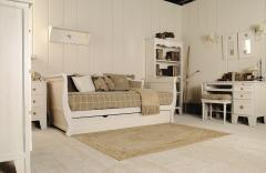 Dormitorio juvenil: cama nido - mesa estudio - librero - mesita - banco - espejos estrella - balda estrella