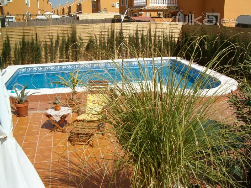Piscinas mayipool for Piscina cubierta tomares