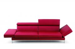Kamares: sofa de dise�o, tapizado en piel natural, delgada y flexible pero sumamente muy c�moda.