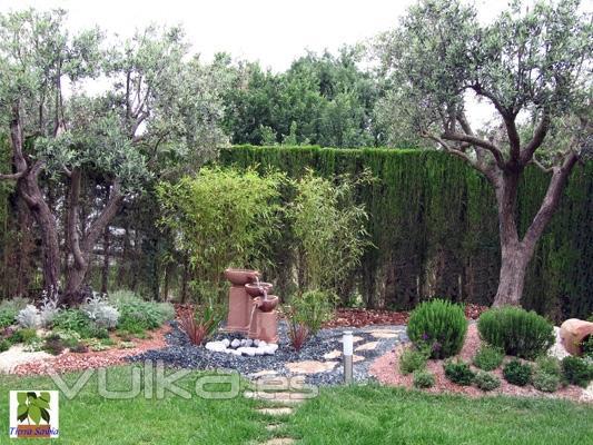 Jardines tierra savbia for Decoracion jardin granada