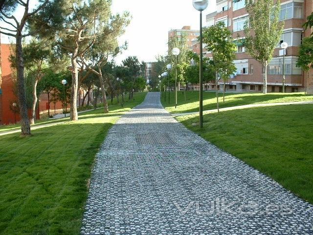 Foto pavimento permeable gravilla estabilizada parque madrid - Pavimentos de jardin ...