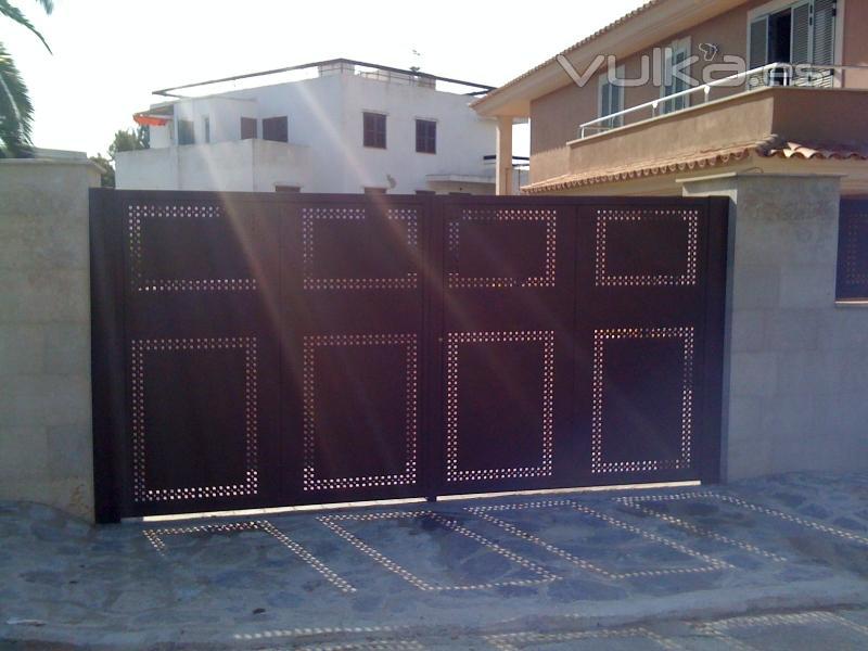 Foto puertas correderas cancelas cerramientos barandillas for Puertas cancelas de hierro