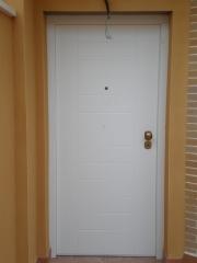 Puerta acorazada gardesa pvc blanco