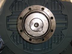 Acoplamiento de motor eje principal.