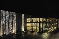 Fotograf�a nocturna del nuevo centro