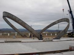 Arcos escultoricos fabricados en acero para belmez, 20 toneladas, fabricada en chapa de 8mm.