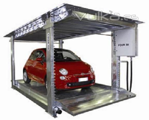 Sistema de aparcamiento que consiste en una plataforma con su propio techo que permite el tránsito de coches sobre el