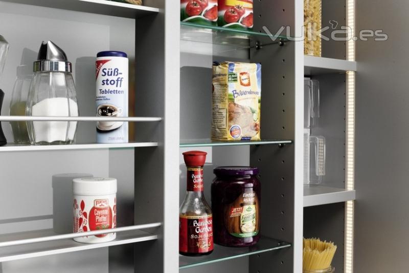 Foto armario despensa de cocina con estanterias - Estanteria interior armario ...