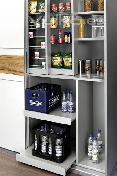 Foto armario despensa de cocina con puertas correderas y - Estanterias para despensas ...