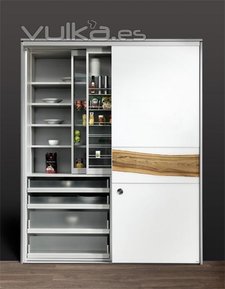 Foto armario despensa de cocina con puertas correderas y estanterias especieros deslizables - Puerta cristal cocina ...