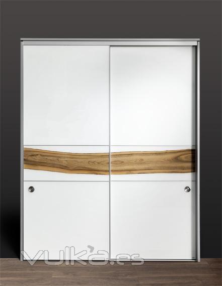 Foto armario despensa de cocina con puertas correderas - Puertas correderas de cristal para cocinas ...