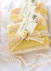 Jab�n decorado para detalle de boda