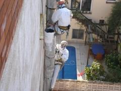 Trabajo vertical para la retirada de amianto