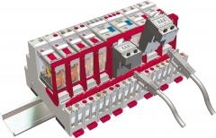 Vista 3d de un conjunto de bases y relés electromecánicos montados sobre raíl din