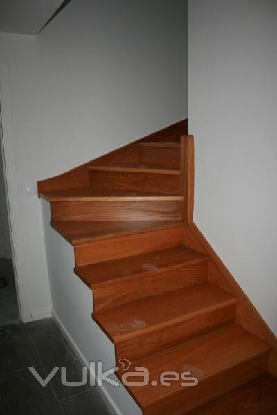 Foto barcenilla de pi lagos escalera interior d plex for Escaleras duplex fotos