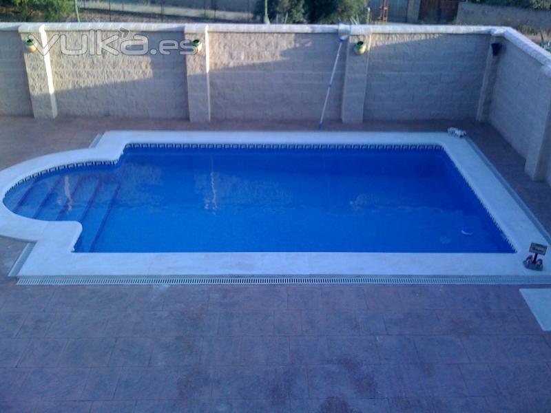 Foto piscina estandar for Construccion de piscinas en granada