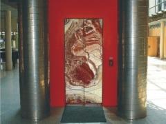 Puertas de piedras naturales, granito y marmol: puertas correderas de ascensor.