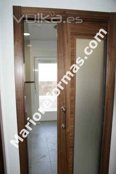 Foto puertas correderas emp trables y sobrepuestas para - Puertas correderas bano ...