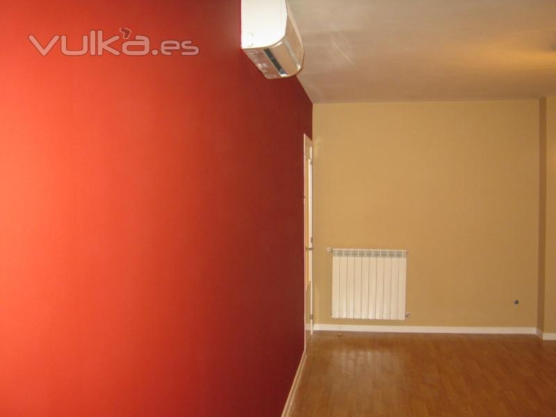 foto paredes alisadas y pintadas en dos colores diferentes