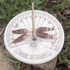 Reloj solar horizontal para jardin