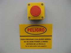 Seta disparo emergencia y advertencia peligro. cizalla.