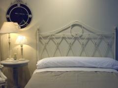 Ambiente dormitorio g�tico color decap�. disponible en varias medidas y colores.