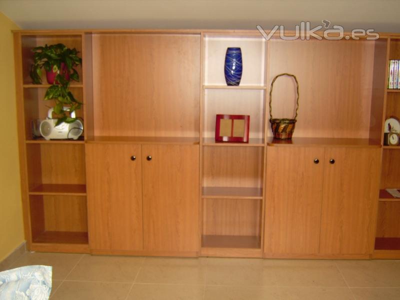 Foto mueble división sala en melamina cerezo