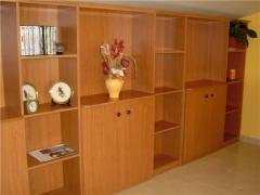 Mueble división sala en melamina cerezo