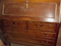 Cajonera escritorio con chapa noguera y moldura superpuesta sin restaurar