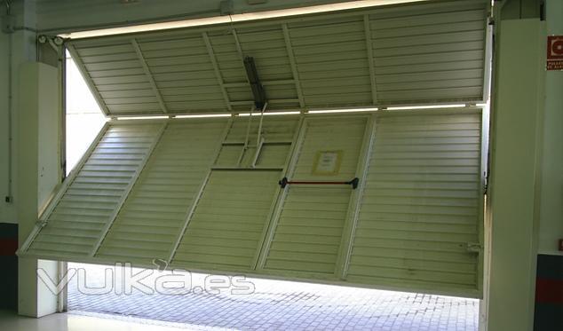 Puertas basculantes garaje