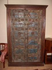 Armario puerta antigua