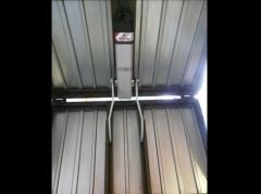 Automatismos y Accesorios : Vista interior de operador  electrohidráulico HOME BACN  en puerta basculante de ...