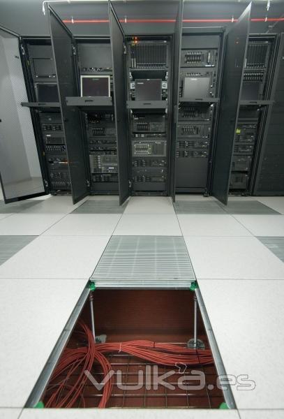 Polygroup suelo tecnico for Detalle suelo tecnico