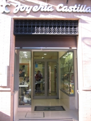 Puerta local joyer�a castilla